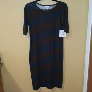 🎇 3/$20 NWT LuLaRoe Julia Dress medium